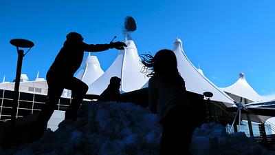 031621_westin_deck_snowball_fight_slts-001