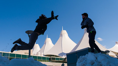 031621_westin_deck_snowball_fight-007