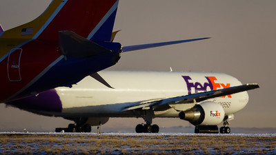 123120_airfield_southwest_fedex_cargo-069