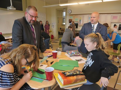 State Elementary and Secondary Education Commissioner Jeffrey C. Riley visits Colegrove Park Elementary School. 101218
