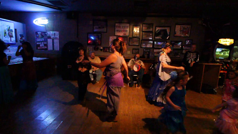 7 DRUMMING N DANCING