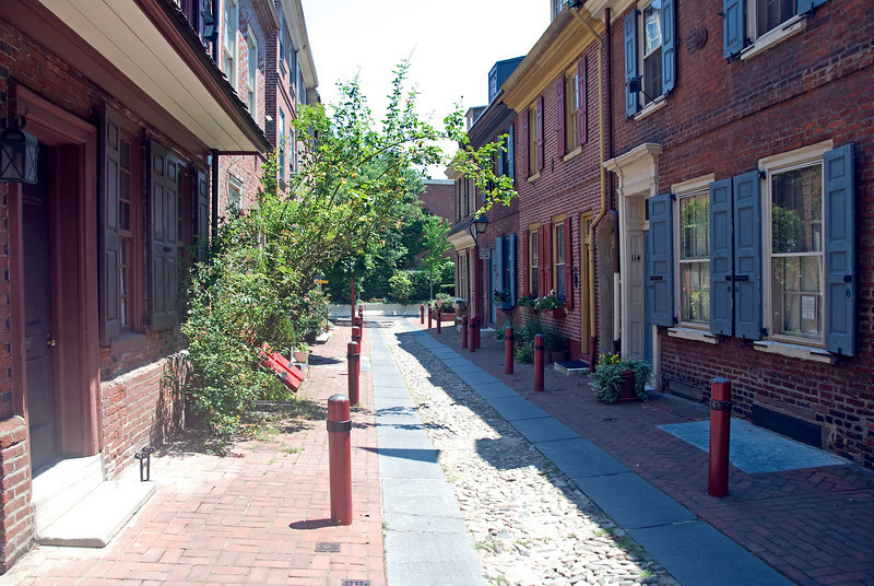 Elfreth's Alley - Our Nation's Oldest Residential Street