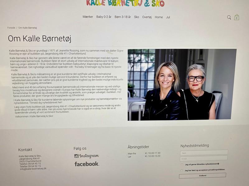 Her net- og kontakt-forsiden til Signe og hendes mor Jeanette Rossings butik  Kalle Børnetøj & Sko med ekslusive mærker på Jægersborg Alle i Charlottenlund