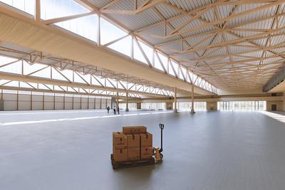 03 Halle für das Schraubenwerk Gaisbach GmbH in Waldenburg von Hermann Kaufmann Architekten in Zusammenarbeit mit Pollmeier.