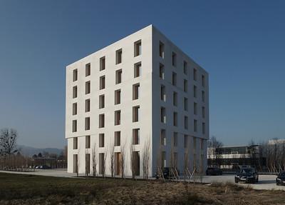 Bürohaus 2226, Lustenau (A) 2013, Baumschlager Eberle: Massivbau ohne eigene Heiztechnik