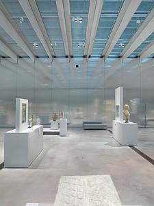 Louvre Lens, Ausstellungshalle »Galerie du Temps«Louvre Lens, exhibition hall »Galerie du Temps«Architekten / architects: SANAA, TokioPhoto: Christian Schittich