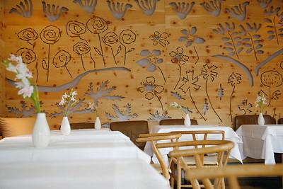 Dekorativ gefräste Wand, Restaurant im Haus Hirt, BadGastein (A) 2008,Architekten: Ike Ikrath & Elma ChoungFoto: Klaus Vyhnalek, Wien
