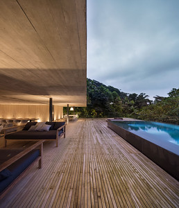 06 Studio mk27, Casa na Mata, Guarujá, São Paulo (BR) In the tree-tops of the Atlantic rain forest | In den Baumwipfeln des atlantischen Regenwalds. Architekten:  Studio mk27, Marcio Kogan, Samanta Cafardo, Diana Radomysler