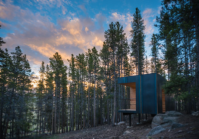 12 ColoradoBuildingWorkshop, Micro Cabins, Leadville, Colorado (USA) Cabins in the Rocky Mountains | Berghütten in den Rocky Mountains. Architekten:  ColoradoBuildingWorkshop