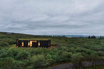 11 11 PK Arkitektar, Holiday Cottages, Brekkuskógur (IS) Deep within the Islandic landscape | Mit der isländischen Landschaft verschmolzen. Architekten:  PK Arkitektar