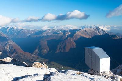 17 Ofis arhitekti, Winter Cabin, Bovec (SL) | Hochalpines Biwak in der Felslandschaft des Kanin. Architekten: Ofis arhitekti