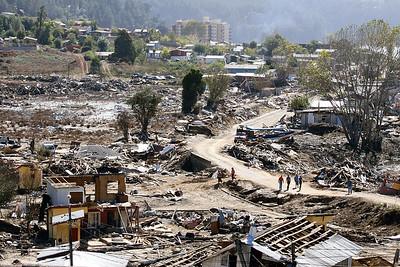 17 CHILE. Das Dorf Dichato in Concepción in Chile nach dem Erdbeben von 2010.