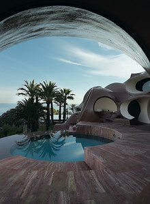 20 Antti Lovag. Palais Bulles, Cannes, F
