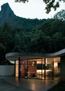 11 Oscar Niemeyer. Canoas House, Rio de Janeiro, BRA