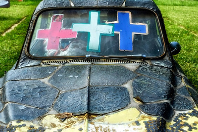 car and crosses