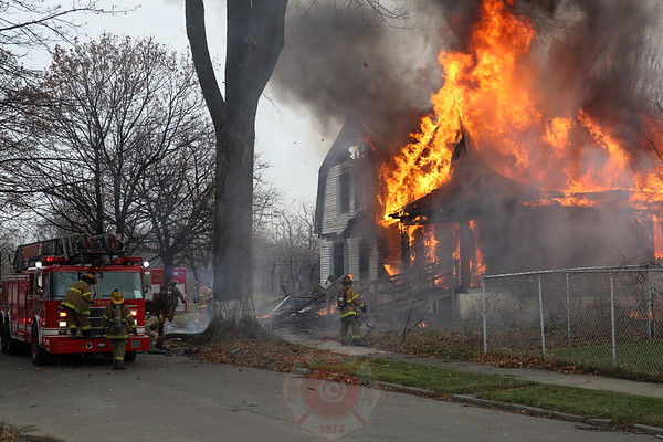 Box Alarm 25th Avenue and the I 94 Service Drive November 2013