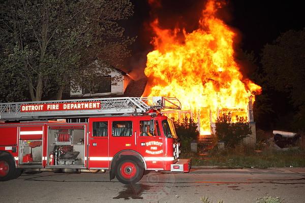 Detroit Fire Department Box Alarm Davison and Moran September 2012