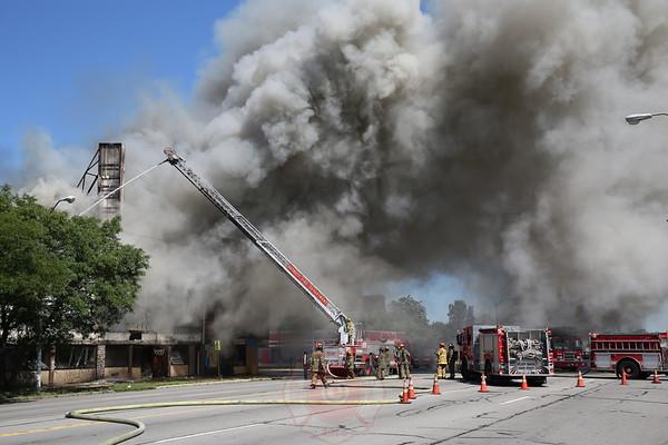 Detroit Fire Department Box Alarm Gratiot and Barlow September 3,  2013