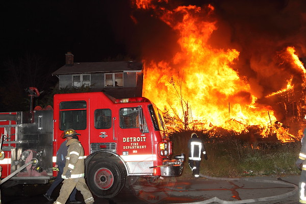 Detroit Fire Department Box Alarm Colfax and Vancouver September 2012