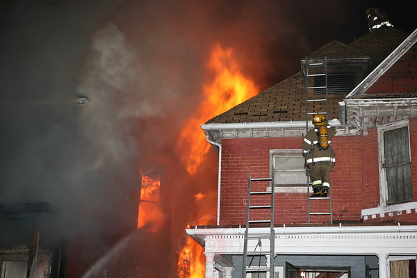 Detroit Fire Department Dwelling 1534 Putnam Fire May 28, 2008
