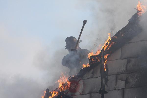 Detroit Fire Department Dwelling Fire 11671 Meyers November 23, 2008