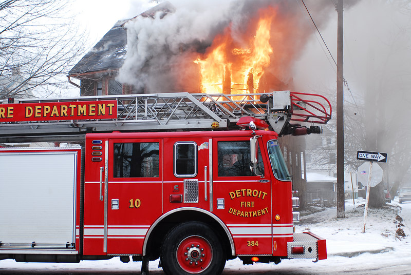 Ladder 10 on the scene reporting a working fire. Photo By: Adam Alberti
