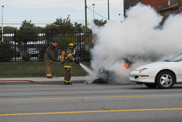 Detroit - Car Fire on East Jefferson October 9, 2007