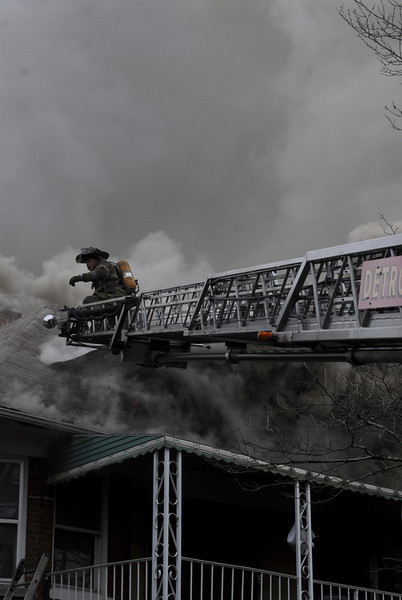 Detroit, MI Box Alarm 3025 Hogarth nr Wildemere April 4, 2008