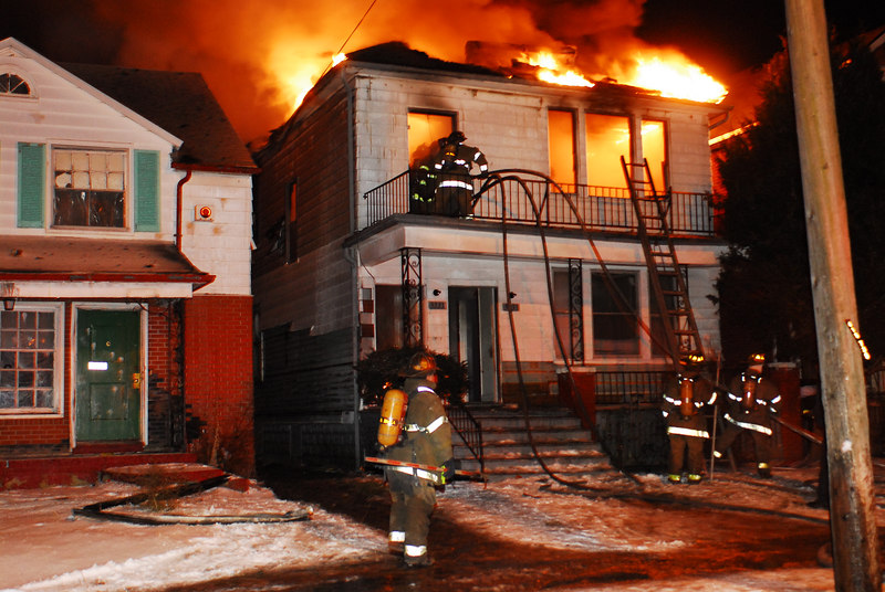 Detroit fire fighters working at Seebaldt and Ironwood. January 29, 2007. Photo By: Adam Alberti