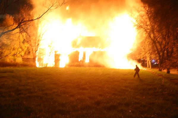 BOX ALARM E KIRBY & ELMWOOD UNIT 1 DEVIL'S NIGHT (10-30-2014)