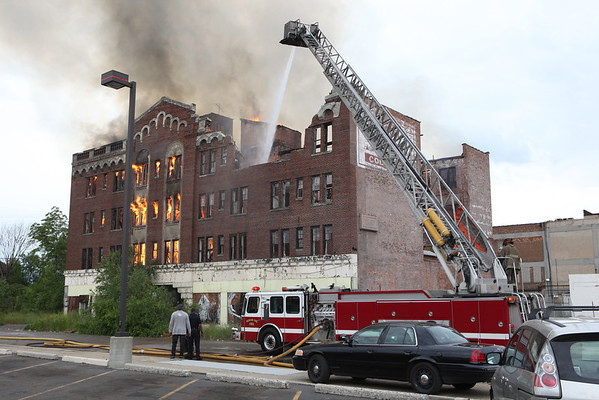 Highland Park Working Fire Woodward & Davison May 2012