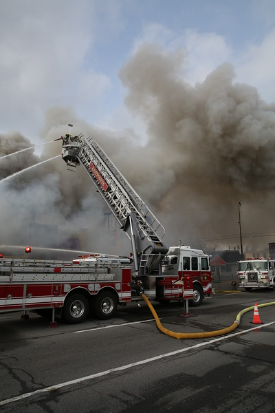 Roseville 2nd Alarm 31531 Gratiot November 16, 2014