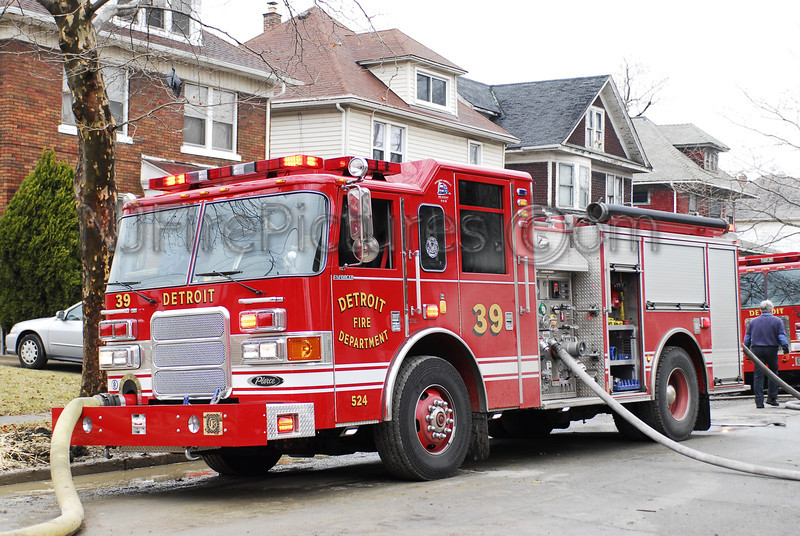 Engine 39 - 2007 Pierce 1250/500 #524