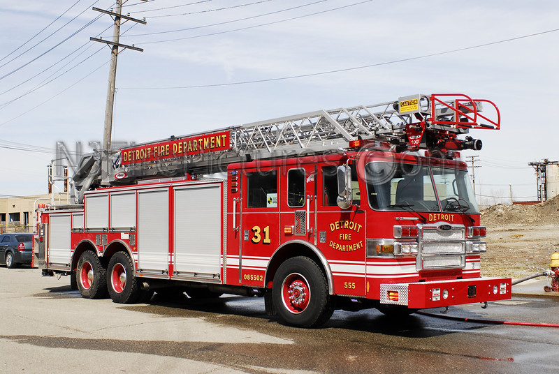 DETROIT, MI LADDER 31