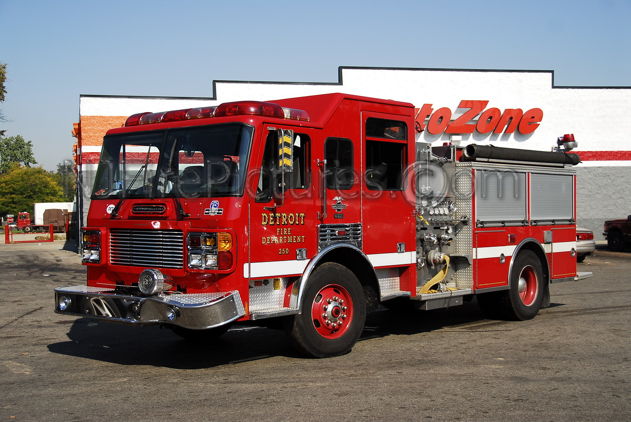 Engine 9 - 2000 American LaFrance 1250/500