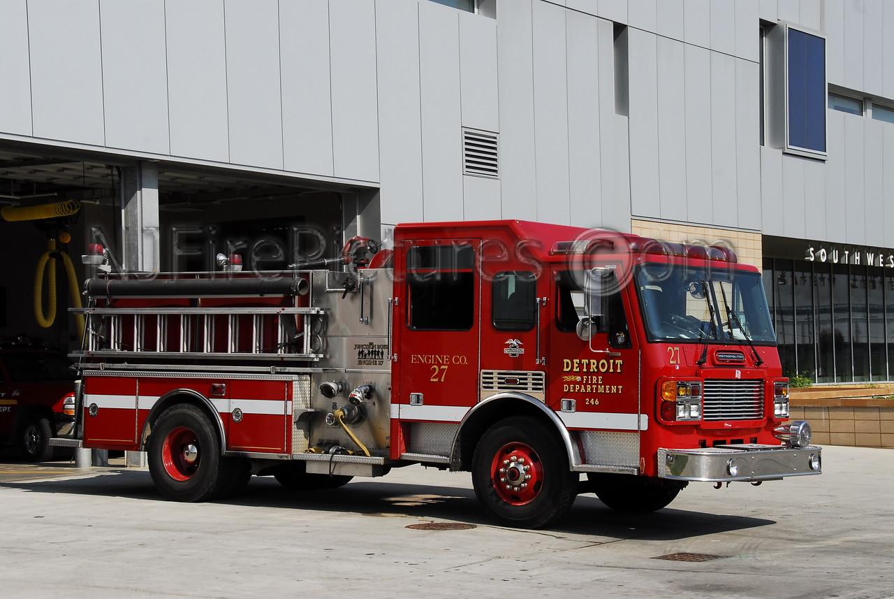 Engine 27 - 2000 American LaFrance 1250/500