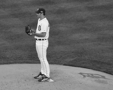 VERLANDER CLOSE UP PITCHING B&W