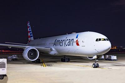 American Airlines Boeing 777-323(ER) N725AN 11-5-20