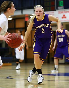 Waukee senior guard Taylor Wingert