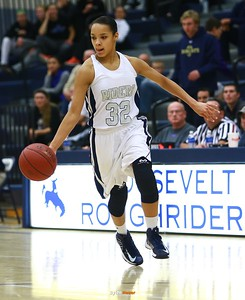 Roosevelt junior forward Julanie Carter