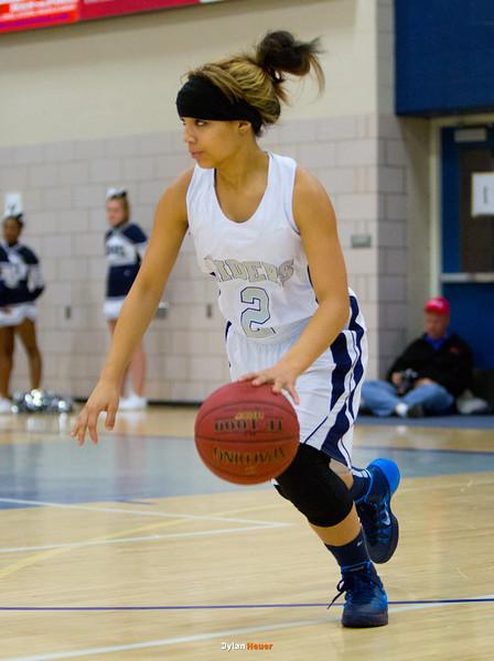 Roosevelt junior guard Maleika Carter