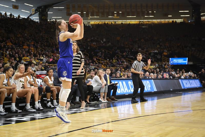 NCAA Women's Division I Basketball Championship First Round: Drake Bulldogs vs. Missouri Tigers