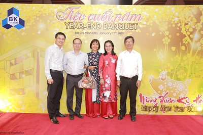 BK-TPHCM-Tiec-Tat-Nien-Year-end-Banquet-instant-print-photobooth-chup-anh-in-hinh-lay-lien-tai-tphcm-saigon-wefiebox-photobooth-vietnam-001
