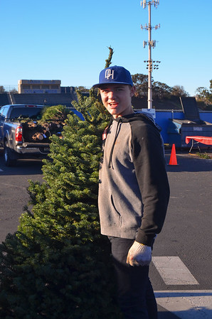 DHHS Christmas Tree Fundraiser