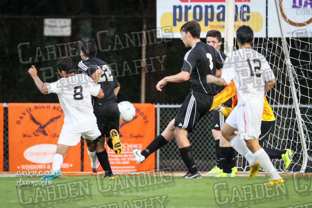 Men's Varsity Soccer vs N Davidson 9-11-14-037