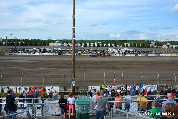 Dacotah Speedway, Mandan, ND  5-27-16