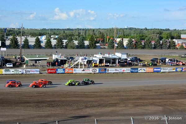 Dacotah Speedway, Mandan, ND  6-3-16