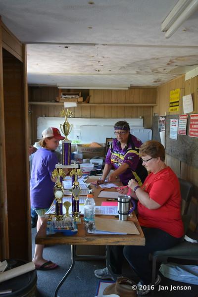 McLean County Speedway, Underwood, ND  6-16-16