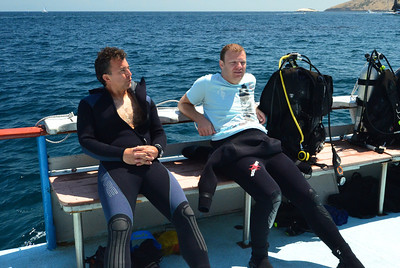 Rob & Joe chill out between dives