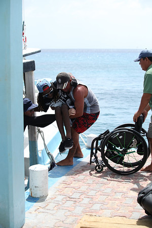 Our crew of divemasters did an excellent job of getting everyone on and off the boat.